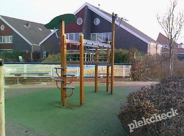 Openbare speeltuin en speelplek de Tjariet