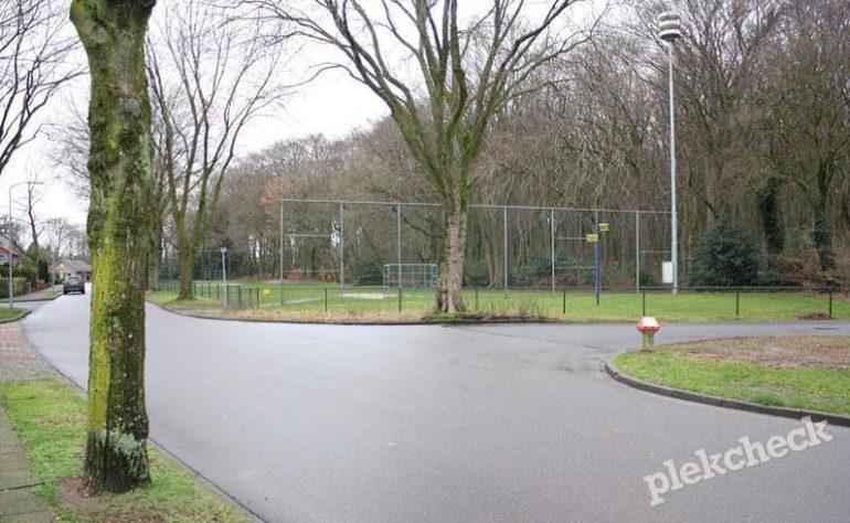 Voetbalveld Bosrand