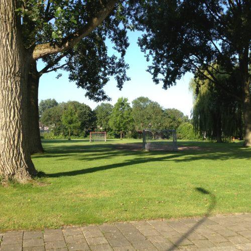 De speelplek ligt in de wijk Zuidhoven in de gemeente Dordrecht
