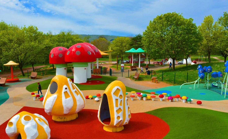 Top speeltuinen ter wereld | Speeltuin langs de route du soleil nabij Lyon